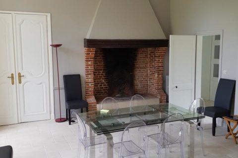 Agencement intérieur pose de pierre de Bourgogne et peinture